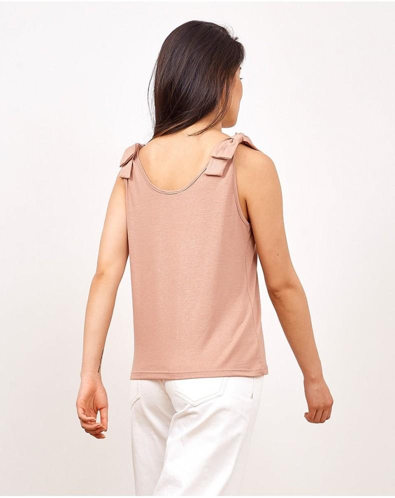 Camiseta brillante nudos